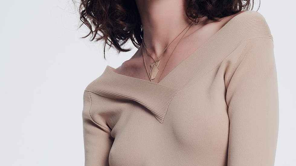 Beige Sweater With v Neck and Short Sleeves