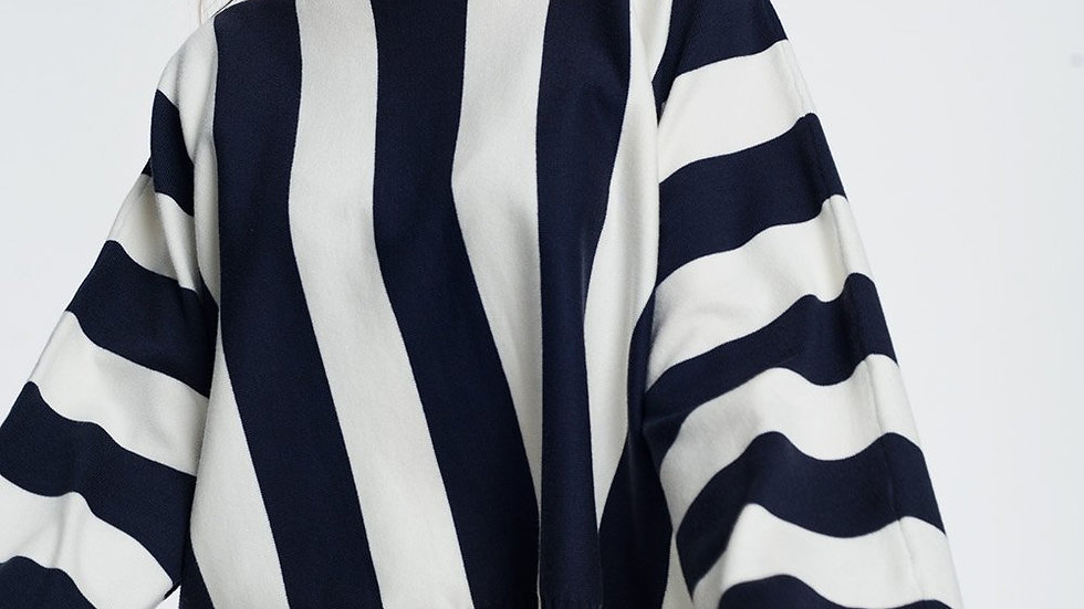 Scoop Neck Sweater in Mono Stripe in Navy