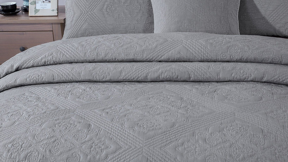 Bedding Elegant Floral Grey Diamond Pattern Quilted