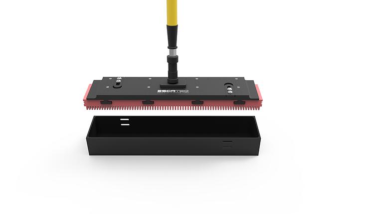 Escalator cleaning tool