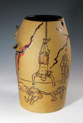 Incised Vase Macabre
