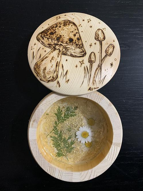 Mushroom resin container