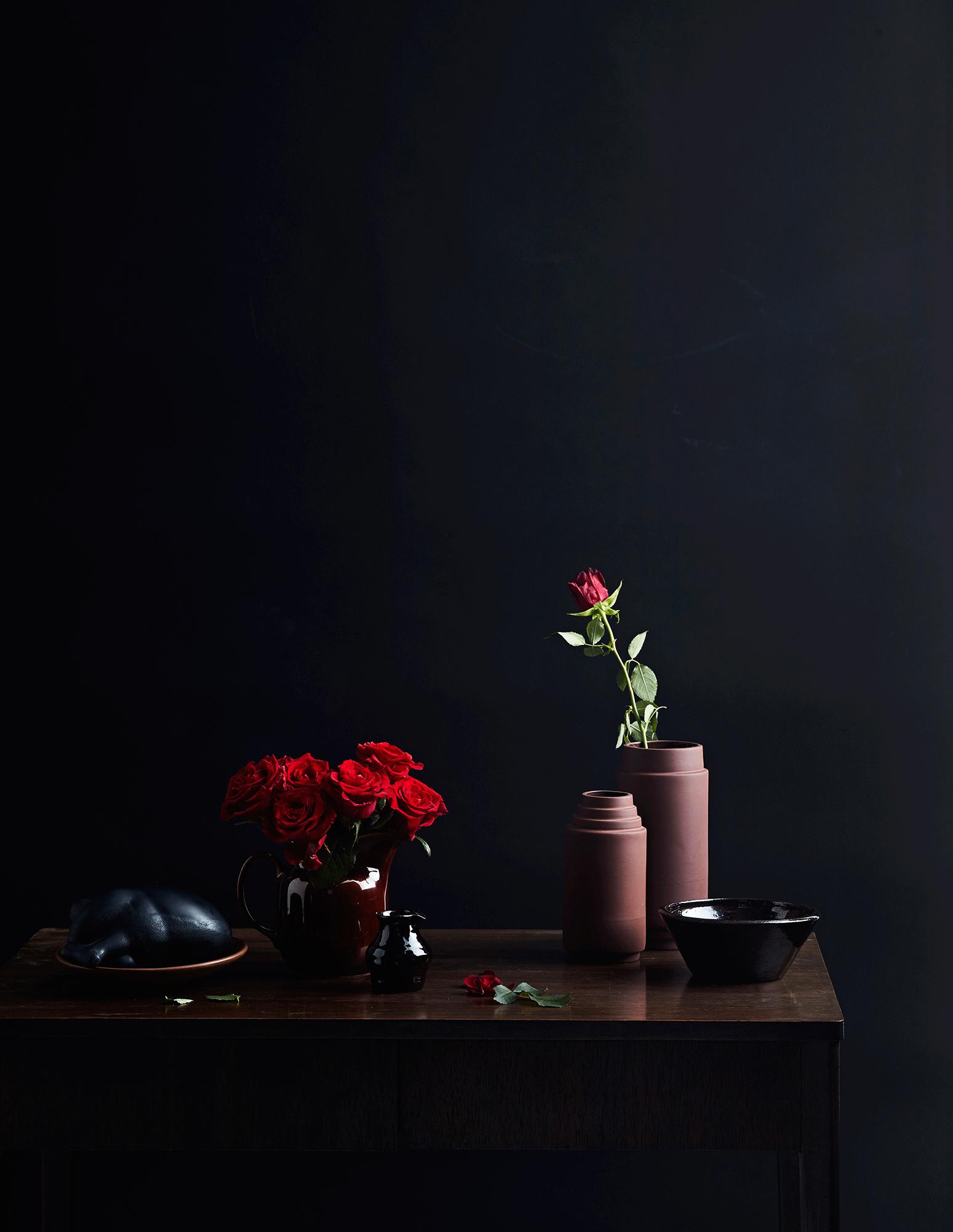 Kukkia ja kattauksia