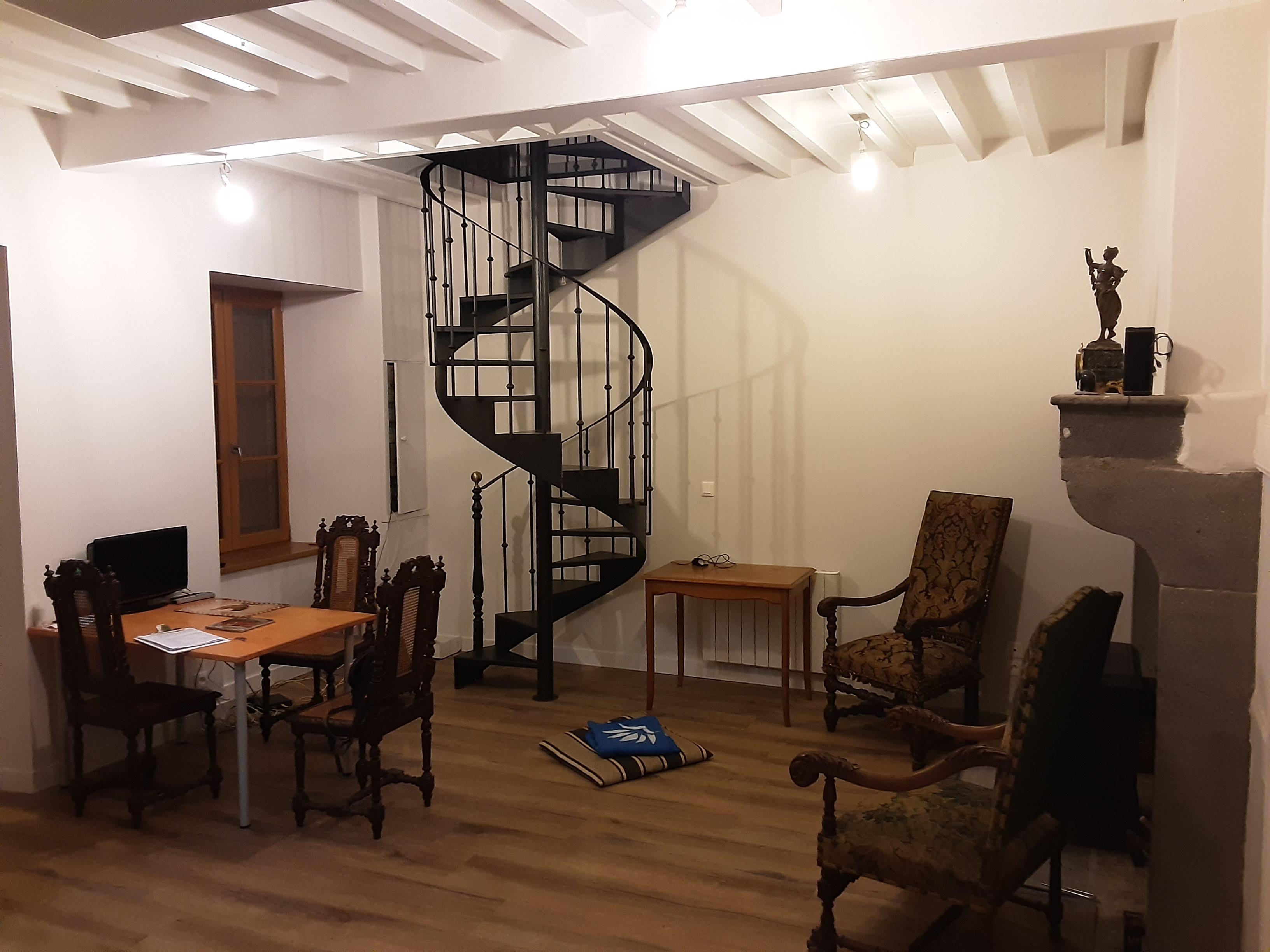 L'escalier en place et 1er aménagement