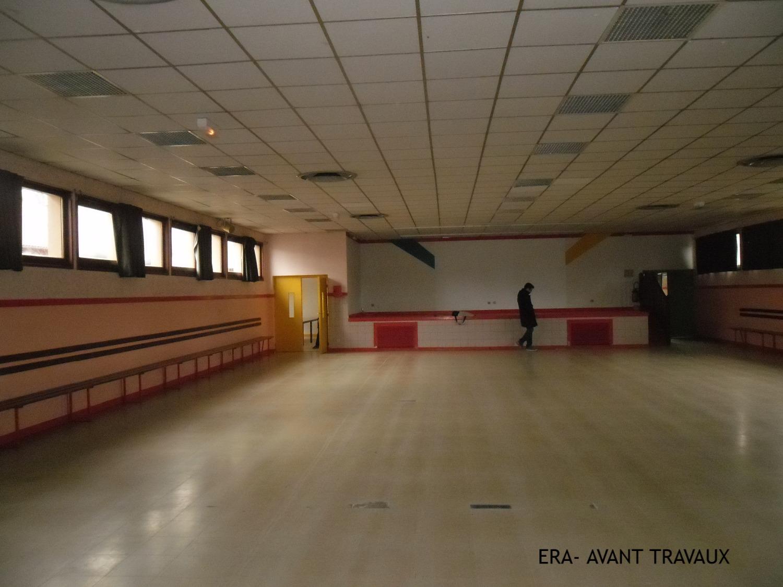 Les Salles - Scène