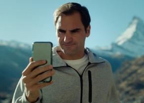 Star Power for Switzerland: Roger Federer Teams up With Robert De Niro