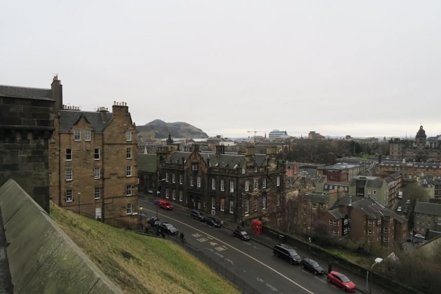 Old Town, Edinburgh's oudste gedeelte., Uitzicht over Old Town, vanaf het kasteelplein in Edinburgh
