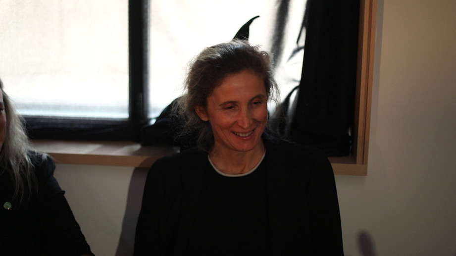 Deborah Nourrit, qui sourit à la magie