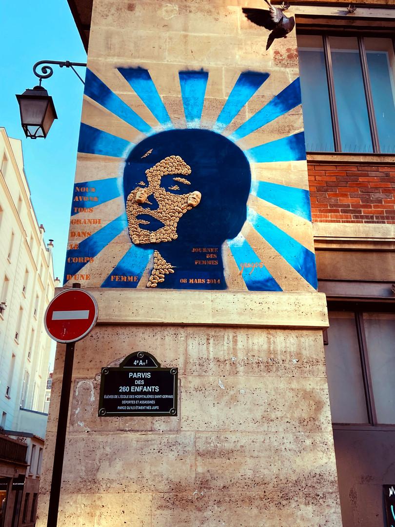 Street-art dans le quartier du Marais, on adore!