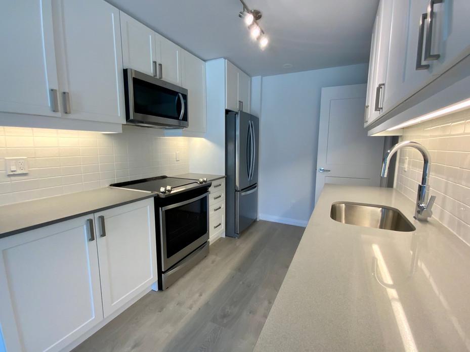 Kitchen #6.jpeg