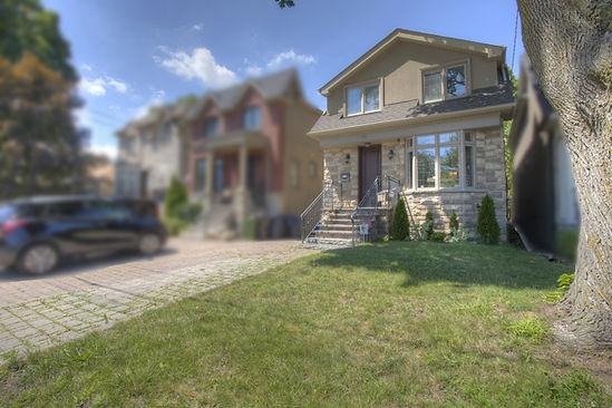 blur neighbours only exteriro_.jpg