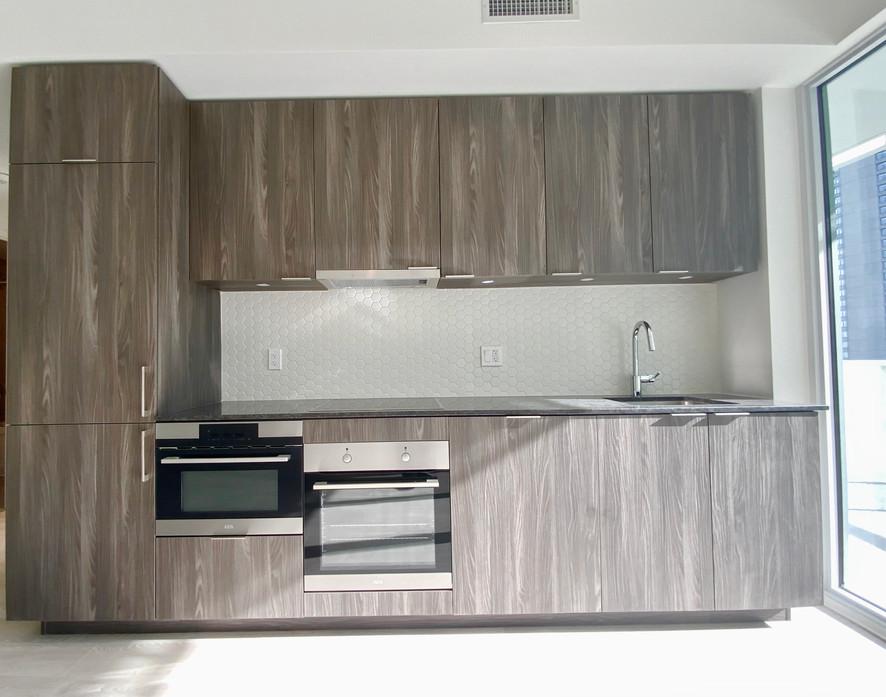 Kitchen #8.jpeg