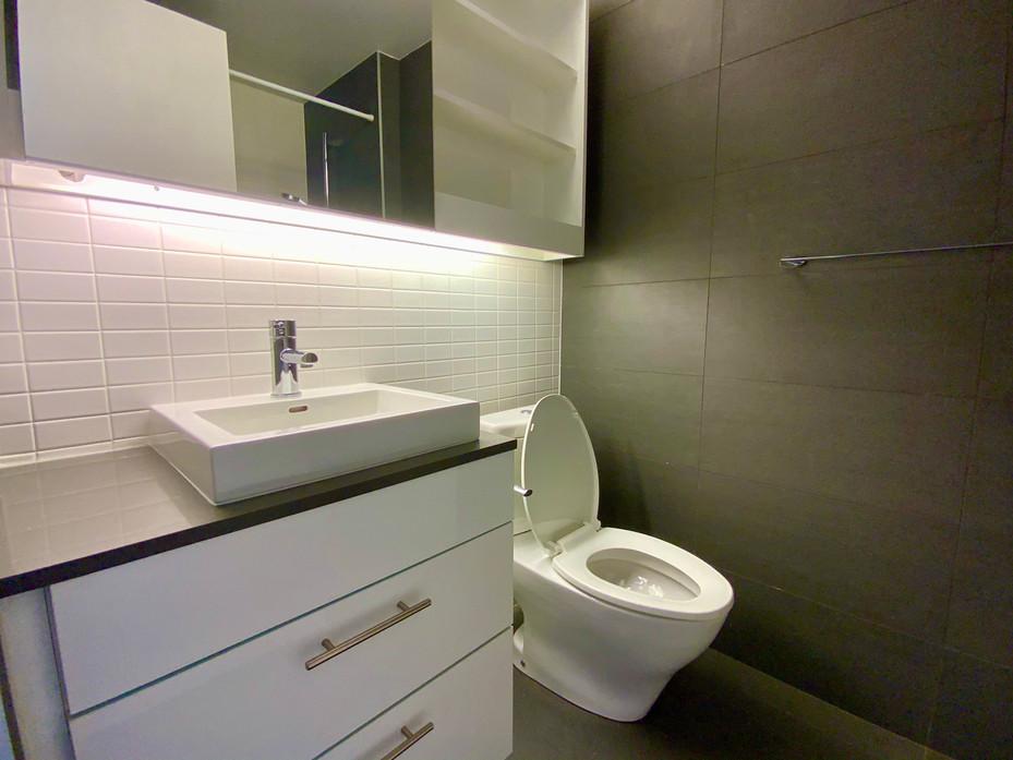 Washroom #5 .jpeg