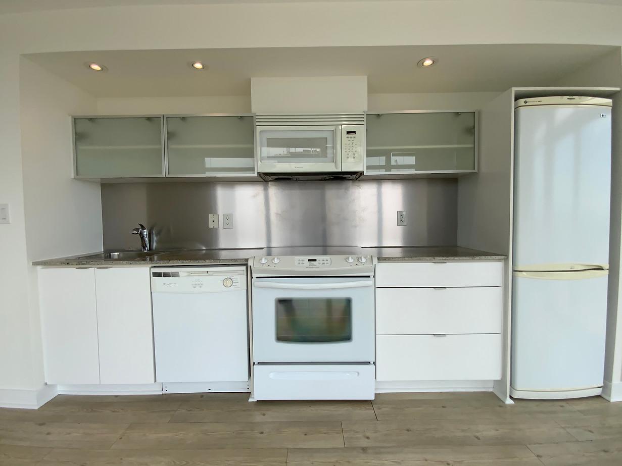 Kitchen 01.jpeg