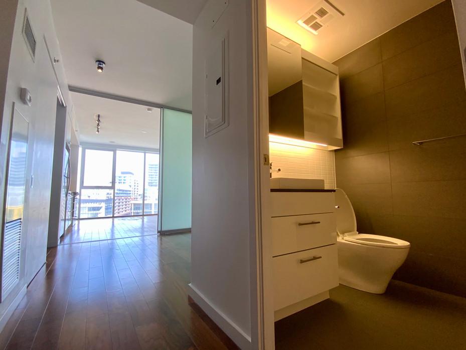 Hallway & Washroom #4.jpeg