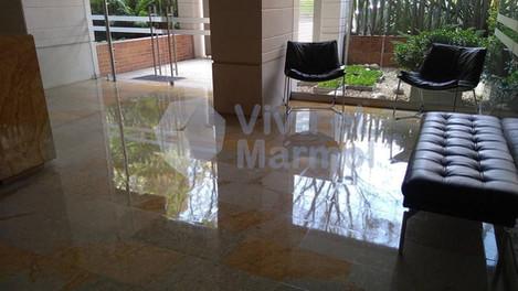 Brillado_pisos_marmol_7.jpg