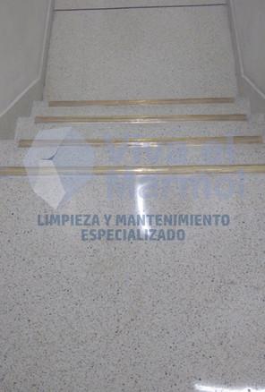 Cristalizado_escaleras_granito_fundido.j