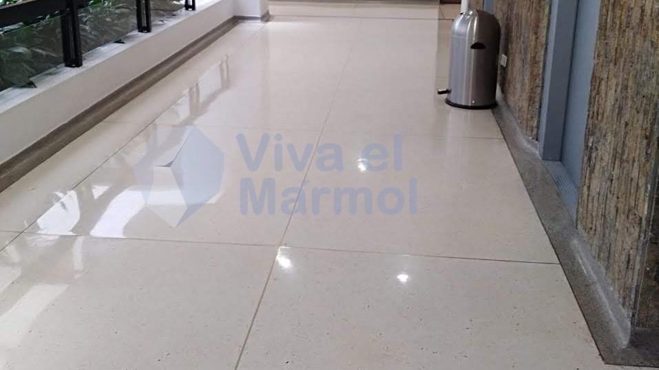 Mantenimiento_pisos_granito_baldosa