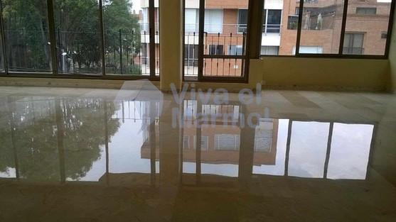 Brillado_pisos_marmol_2.jpg
