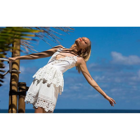 Tropical Glam FRV Magazine