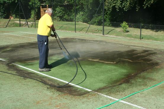 Grimshaw-Tennis-Court-Cleaning