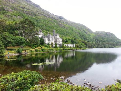 photo_ireland castle on the river.jpg