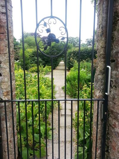 photo_ireland gated garden.jpg