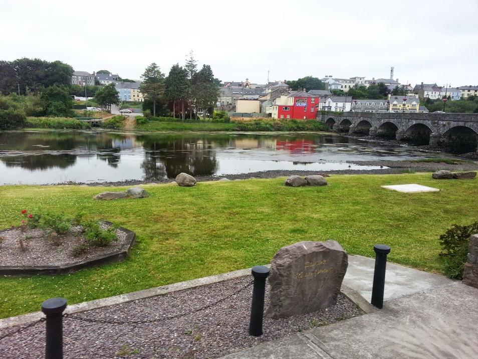 photo_ireland town.jpg