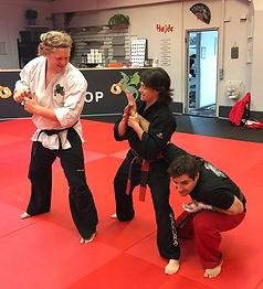 Teaching an armlock