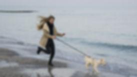 vrouw met hond.jpg