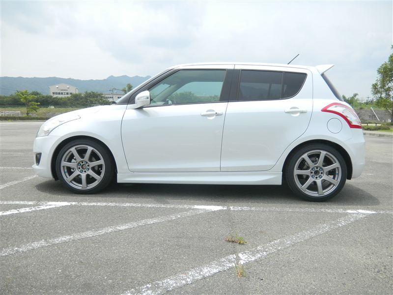 Suzuki Swift with RS-R Down