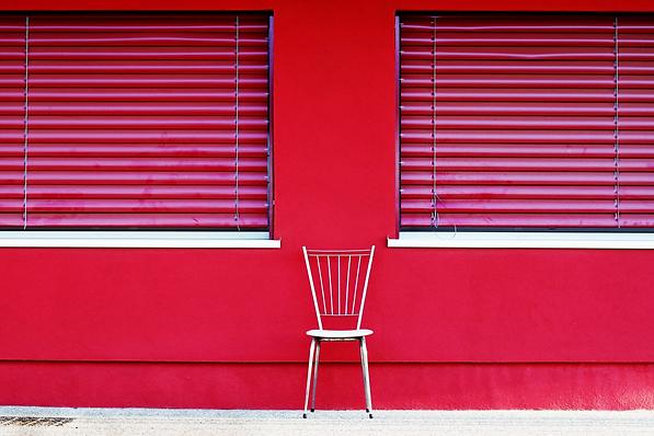 KORIN MARIOTTO _ La chaise vide 5 (2).pn