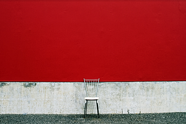 KORIN MARIOTTO _ chaise vide - graphisme