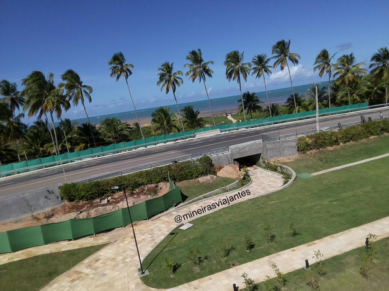 Túnel de acesso a praia