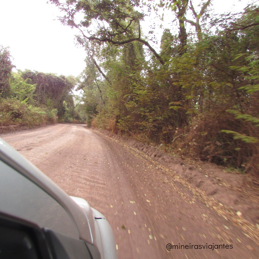 Estrada sentido Córrego do Feijão