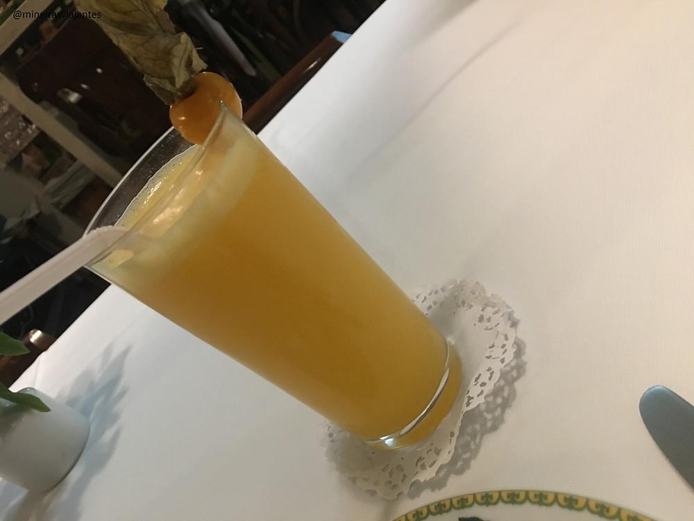Suco de laranja com maracujá