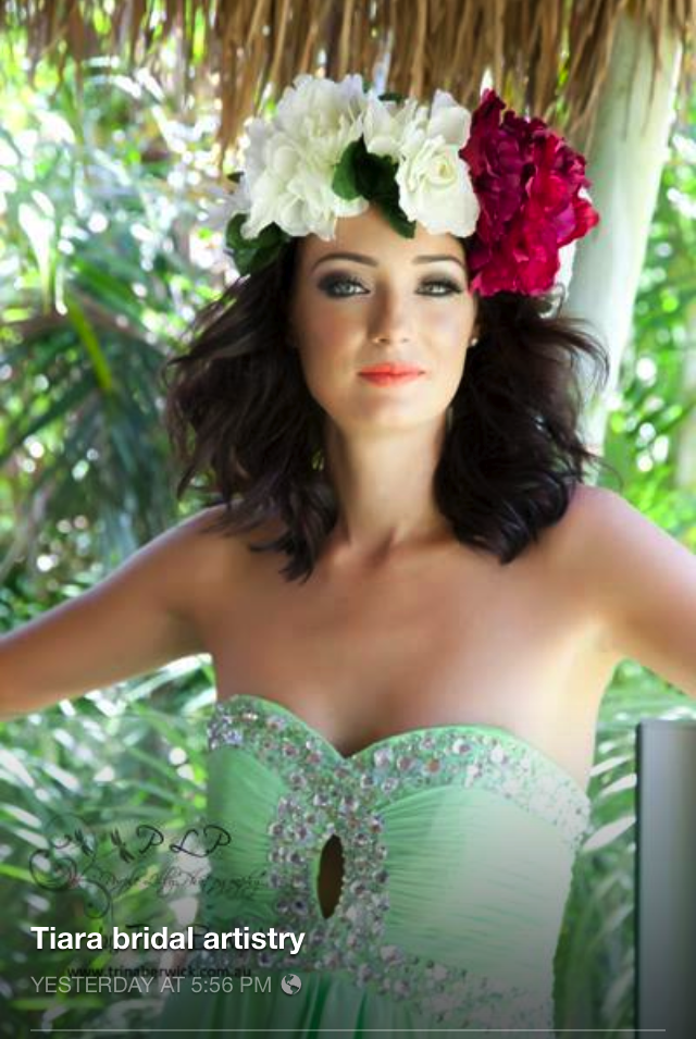 Tropical bridal style