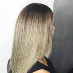 Blonde ballayage