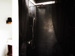 shower-black-