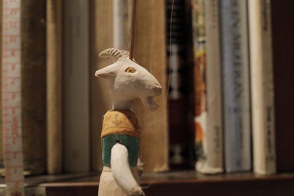 小さな操り人形 山羊の母さん