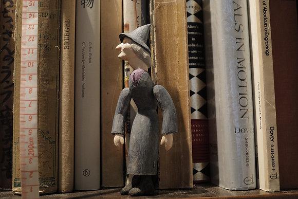 小さな糸操り人形 魔女