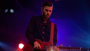 Solo Guitarrista en concierto