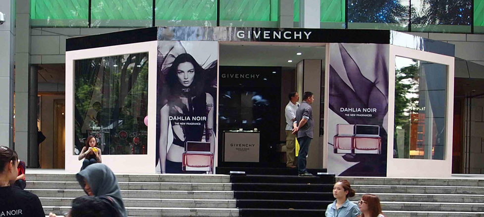 Givenchy Pop up Store