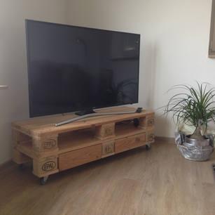 Hochwertiges TV-Sideboard - Palettenmöbel