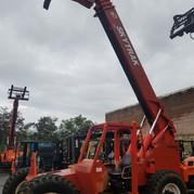 Skytrak 9000 lbs. to 43' Telehandler