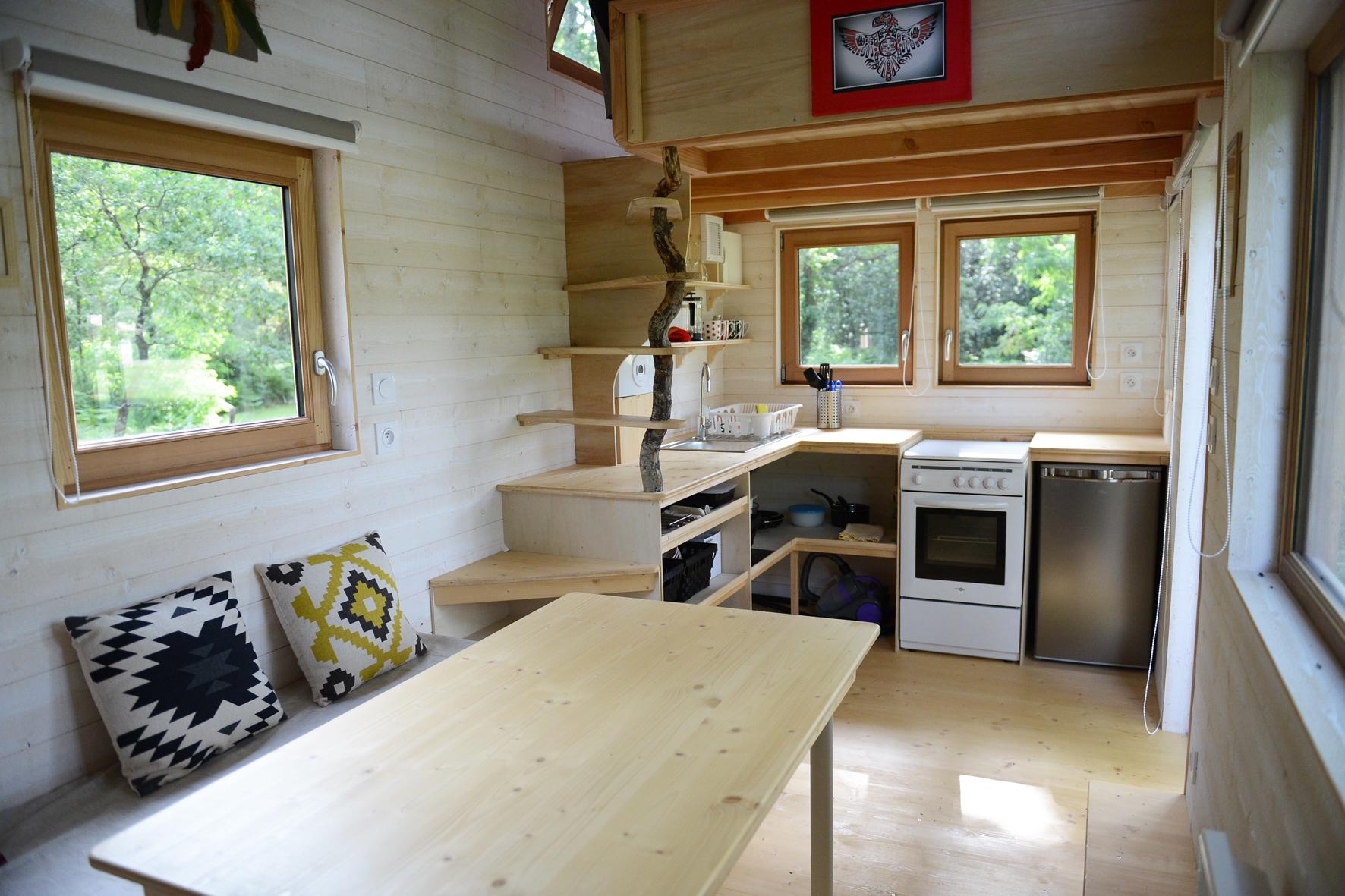 Du salon à l'espace cuisine