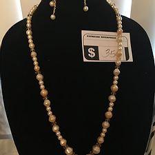 Faux Pearl Necklace Set w/ Leaf Pendant