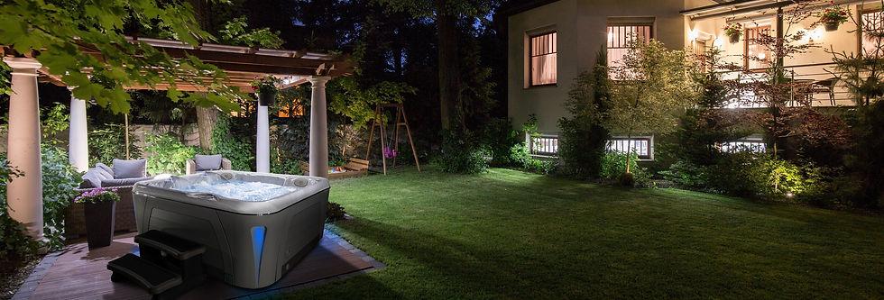 HP20-SERHT-5900-Hot-Tub-Night-Installati