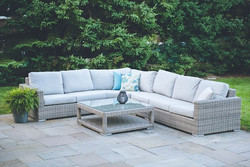 5 Piece Sectional w/ Coffee Table