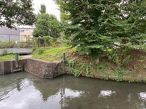 砂川用水・柴崎用水取入口(松中橋直前)